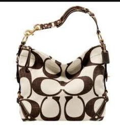 Is Coach your weakness? Get your fix of luxury couture at the Coach store in the Vacaville Premium Outlets. Coach Handbags Outlet, Coach Purses, Purses And Handbags, Coach Outlet, Spring Handbags, Cheap Coach Bags, Cheap Bags, Patchwork Bags, Fashion Bags