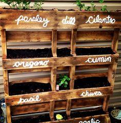 DIY pallet herb planter ideas cheap DIY ideas vertical garden designs
