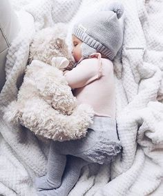 25 Romantic Baby Names That Any Little Girl Would Adore - bebe - Cute Little Baby, Baby Kind, Cute Baby Girl, Baby Girl Newborn, Little Babies, Baby Love, Little Girls, Cute Babies Newborn, Babies Pics