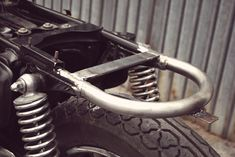 'Cause You Need ...: ... Café racer project - DIY - Rear new loop