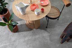 O novo produto, lançado pela Suvinil, pode ser aplicado sobre outros tipos de pisos e dispensa o uso de juntas de dilatação