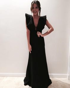 Вечерние платья 0 Source by Quarkmonster dresses fashion Gala Dresses, Evening Dresses, Casual Dresses, Fashion Dresses, Formal Dresses, Low Cut Dresses, Kohls Dresses, Summer Dresses, Dress Skirt