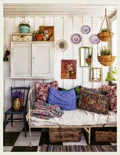 love this.  looks like a little enclosed porch/sunroom