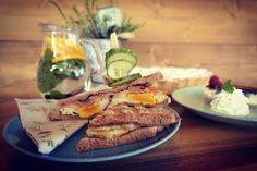 Garden cafe Slovakia Partizanske breakfast