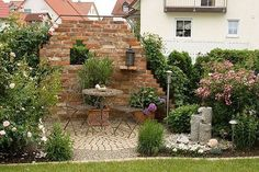 Exterior DIY red brick decorations – Ideas for a dream garden White Brick Walls, Garden Living, Red Bricks, Dream Garden, Backyard Landscaping, Exterior Design, Landscape, Outdoor Decor, September