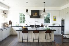 A nice, clean look created by using very few upper cabinets.