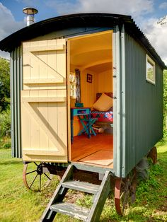 The ideal she shed for the world traveler comes in the form of this shepherd's hut turned summer house. Gypsy Caravan, Gypsy Wagon, Gypsy Trailer, Trailers, Garden Playhouse, Garden Sheds, Plywood Interior, Shepherds Hut, She Sheds