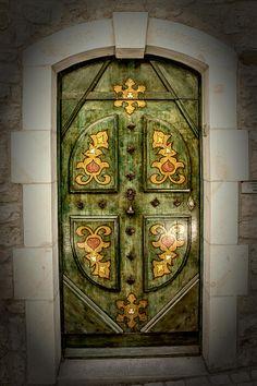 Vézénobres, Gard, France - Doors lyrics and windows poetry Knobs And Knockers, Door Knobs, Door Handles, Cool Doors, Unique Doors, Art Nouveau, Doors Galore, Porte Cochere, When One Door Closes