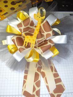 The World of a Crafty QT: A Giraffe Baby Shower. We could make this shit Giraffe Party, Giraffe Birthday, Baby Shower Giraffe, Baby Girl Shower Themes, Baby Shower Gifts For Boys, Baby Shower Decorations, Baby Gifts, 21 Birthday, Birthday Ideas