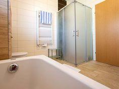 Draschitz: Sonne- Ruhe- Frische Luft- Hier lässt es sich leben ! » BEST PLACE immo Bathtub, Bathroom, Air Fresh, Master Bathrooms, Living Dining Rooms, Sun, Life, Standing Bath