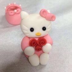 Hello Kitty y un zapatico