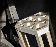 Weight-bearing stool created without screws.