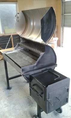 Bbq smoker I made. - Bbq smoker I made. Barrel Smoker, Barrel Grill, Bbq Pit Smoker, Diy Grill, Barbecue Grill, Oil Drum Bbq, Custom Bbq Smokers, Backyard Smokers, Bbq Smoker Trailer