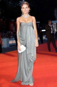 Sienna Miller looking gorgeous!