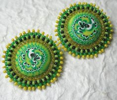 """I do all the work in these buttons. The polymer clay centers are what I call """"Stacker Cabs"""", a version of my Stacker beads. And the seed bead embroidery is also my work. Chocolate Buttons, Clay Center, Shrinky Dinks, Button Art, Polymer Clay Beads, Sewing A Button, Beaded Embroidery, Color Combos, Favorite Color"""