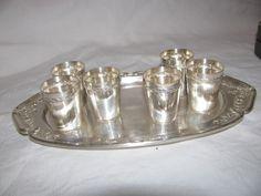 juego de vasos y bandeja de plata