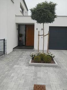 Pflasterung, Sitzplätze, Terrassen: klassischer Garten von Garten-Landschaftsbau Hierreth-Felser GmbH
