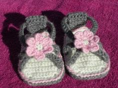 The Handmade Rainbow: Crocheted Baby Sandals