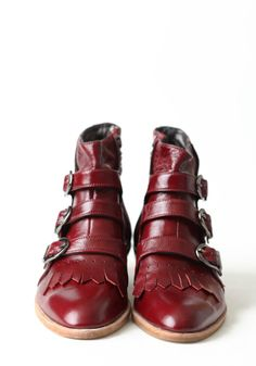 modern vice boot in oxblood