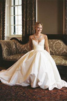 A-line Sleeveless Spaghetti Strap Lace Wedding Dress WD049