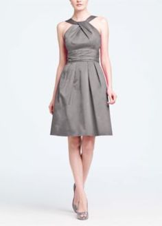 @Stephanie Ostlund's choice: Short Cotton Dress with Y-Neck and Skirt Pleating Style 83690