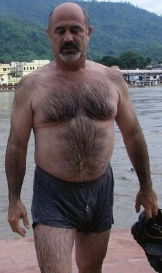 Tumblr is a place to express yourself, discover yourself, and bond over the stuff you love. It's where your interests connect you with your people. Hairy Men, Bearded Men, Goatee Beard, Normal Guys, Beefy Men, Daddy Bear, Hairy Chest, Mature Men, Older Men