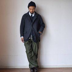 SETTOのモッズコートを先程オンラインストアにUPしました。各サイズ一点ずつのご用意ですが、ぜひご検討ください。 そしてモッズコートの中に着ていたジャケットはニシカの今季新作です。 杢調のウールツイードを使用した暖かみのあるジャケット。ニシカのウールツイードのジャケットは久々だったような。 ラグランだったり、襟元まで釦を留められたりとカーバーオール的な雰囲気があるのもニシカのジャケットの特徴。柔らかいコットンの裏地を付けることで生まれるふんわりとしたシルエットも特徴です。 シンプルなデザインと素...