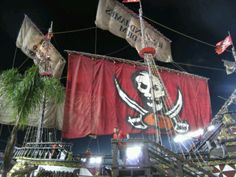 Arr... Shiver me timbers... A close up of the pirate ship.