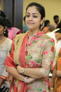 Discover thousands of images about jothika in floral salwar Salwar Neck Patterns, Churidar Neck Designs, Salwar Pattern, Kurta Neck Design, Kurta Designs Women, Salwar Designs, Saree Blouse Designs, Chudi Neck Designs, Kurtha Designs