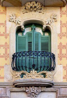 Barcelona - Plaça Lesseps Cases Ramos 1906 Architect: Jaume Torres i Grau Beautiful Architecture, Beautiful Buildings, Architecture Design, Balcon Juliette, Art Nouveau Arquitectura, Cool Doors, Balcony Design, Gaudi, Doorway