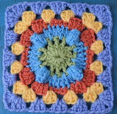 Circle with Popcorn Granny Square, free crochet pattern by Marie Segares/Underground Crafter