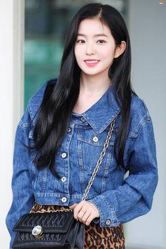 Photo album containing 11 pictures of Irene Kpop Girl Groups, Korean Girl Groups, Kpop Girls, Seulgi, Irene Red Velvet, Velvet Wallpaper, Coral, Airport Style, Airport Fashion
