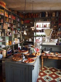 L'Epicerie restaurant, cafe and tea room in Rennes, France