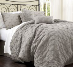 Comforter Set 4PC KING Modern Chic Elegant Pleated Textured Pillow Shams NEW