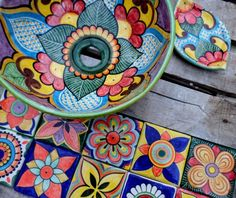Hand Painted Ceramics, Ceramic Painting, Saddle Bags, Pottery, Plates, Bathroom, Ideas, Diy, Moldings