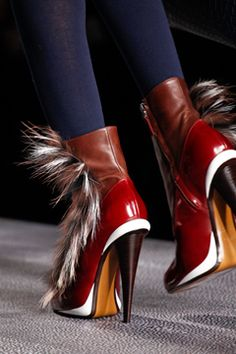 Fendi Fall 2012 Ready-to-Wear Collection on Style.com: Detail Shots