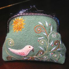 A Bird in a Tree Coin Purse PDF Pattern by HanhansStitching.