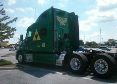 Zelda semi-truck. Omg I wonder if my dad would let me paint his truck like that?!