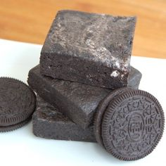 Are you KIDDING me? 1 package Oreos, 5 cups of marshmallows, 4 tablespoons of butter - just like rice krispies treats, except Oreos!  lumps of coal --another awesome Christmas idea! food