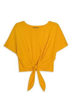 Primark - Favourites Mellow Yellow, Mustard Yellow, Mustard Top, Mustard Shirt, Cute Shirt Designs, Yellow Clothes, Yellow Crop Top, Clothes 2019, Korean Fashion Dress