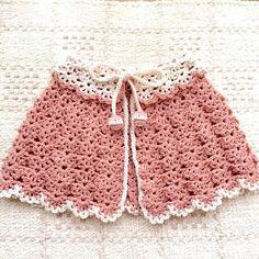 ご覧いただきありがとうございます♡ 綿100%コットン毛糸で編んだ、【オールシーズン用】ベビーケープです。 従来のコットン毛糸よりもサラッとした風合いの糸を使用していますので、カラッと乾燥したようなべとつかない風合いですので、オールシーズンご使用いただけます♡夏の冷房対策や、季節の変わり目などベビーちゃんの気温調整に一枚いかがでしょうか☆また、同じ素材でお造りした掲載中のベビーシューズソックスとセットで出産祝い&ベビーギフトとしても喜ばれます•*¨*•.¸¸♬*お洗濯も可能(薦:手洗い)の毛糸となっております。《作品詳細》 ◇素材◇ 綿100%、コットン毛糸 ◇カラー◇ ピンク◇サイズ◇ 縦約21㎝×横幅約75㎝、襟部約37㎝※同素材にて、厚手タイプも販売中です♪※他カラーも掲載中です。(ベージュ、ネイビー、ブラウン、ブラック有)。※受注製作となりますので、オーダーや質問などありましたら、必ず◇ご購入前◇にメッセージにてお知らせください。【発送について】 *誠に申し訳ありませんが、只今注文の方が大変混み合っております。受注製作となりますので、ご入金いた... Creema, Lace Shorts, Knitting, Baby, Women, Fashion, Dressmaking, Moda, Tricot