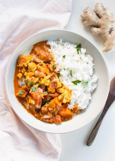 Tempeh tikka masala is a delicious vegan take on the classic. I make it in the Instant Pot, but stovetop instructions are included too! So easy and filling! Mini Hamburgers, Vegan Recipes Easy Healthy, Vegetarian Recipes, Tempeh Recipes Vegan, Vegetarian Breakfast, Protein Recipes, Chili Recipes, Potato Recipes, Paleo