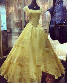 Costumi di di Jacqueline Durran per La bella e la Bestia abito giallo