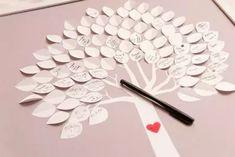Árbol de hojas de papel para las firmas de los invitados