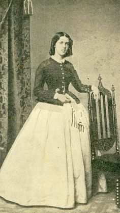 Elida B. Rumsey Sang For Civil War Soldiers And Established A Free Library Seventeen-year-old Elida Rumsey went to Washington during the Civil War to become a nurse. A girl so young that Miss Dorothea Dix would not hire her. When told she was too young, Elida sang to soldiers in the ward
