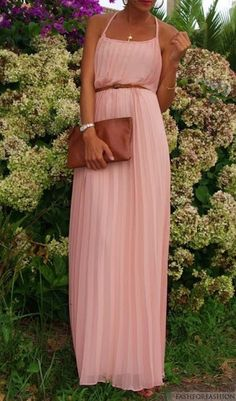 I love the pleats on this dress. I have a similar style in blue, but I actually like the maxi style too! And I always love a pale pink. I wish I knew where to find it, link just leads to a tumblr.
