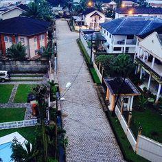 Le parc bonanjo douala le tour du cameroun en photos for Design hotel douala