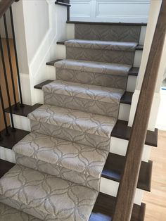 Love The Cly Light Color Of Carpet And Pattern Is Not Overwhelming Adds A Sense Design To This Staircase