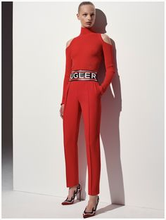 See the complete Mugler Resort 2018 collection.