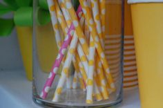 A little bowtique water bottle label straws flag par planeteprojets Minnie Mouse, Little Bow, Bottle Labels, Straws, Party Printables, Water Bottle, Flag, Bows, Birthday